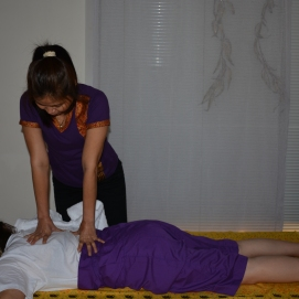 thai massage therapy