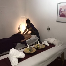 aroma massage therapy